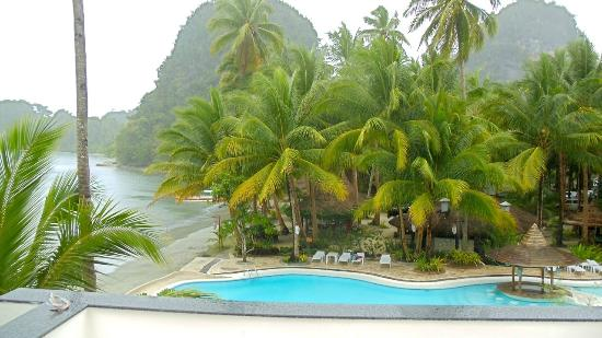 Caluwayan Palm Island Resort Restaurant Eyepleasing