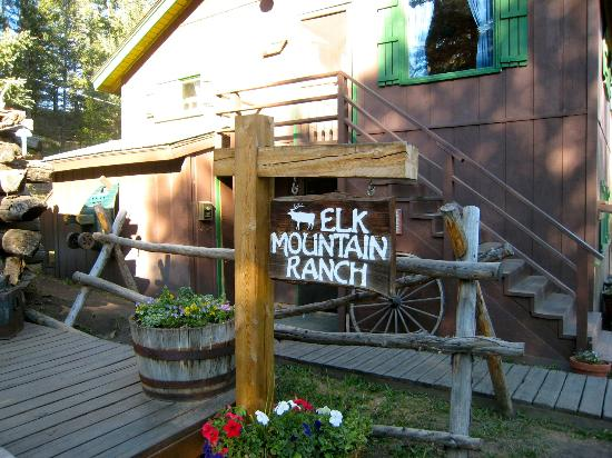Elk Mountain Ranch: general store