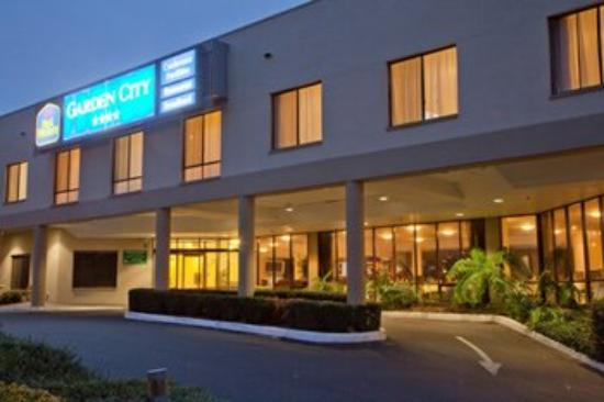 Photo of BEST WESTERN PLUS Garden City Hotel Canberra