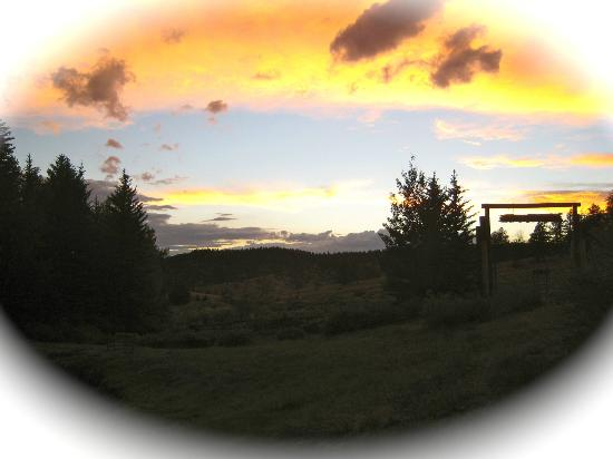 Elk Mountain Ranch: sunset