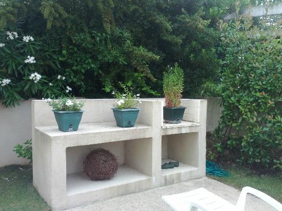 Villa Plein Soleil: The yard