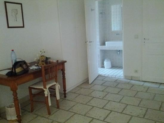 Villa Plein Soleil: A spacious room