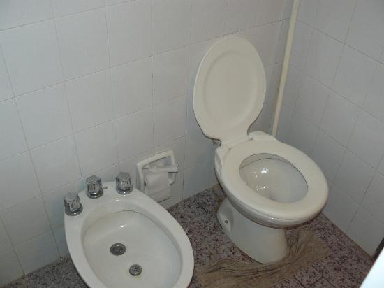 Hotel Solyma: baño