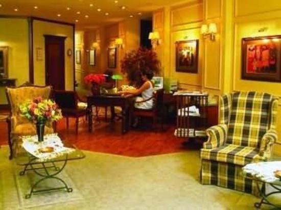 La Maison Hotel: Interior