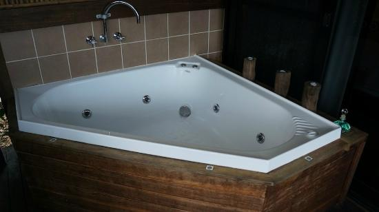 Limpinwood Lodge: the outdoor spa