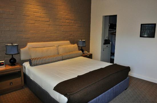 The Brentwood Inn: Bedroom