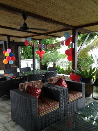 Lotus Samui: Outdoor dining area.