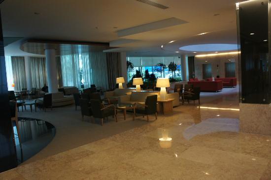Santa Maria Hotel -- Fatima: Big spacious ground area