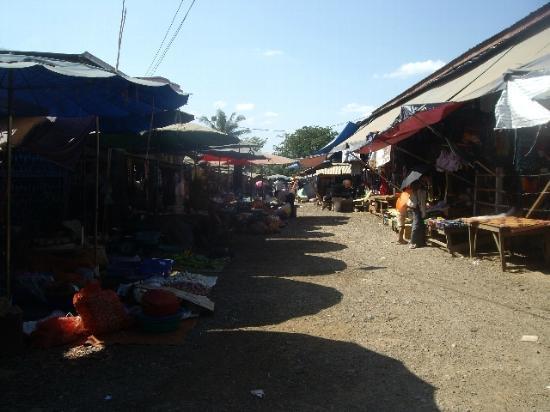 ตลาดสังขละบุรี