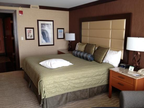‪‪Seneca Niagara Resort & Casino‬: King bedroom