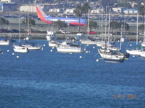 San Diego Bay Walk: SD airport acroos the SD Bay