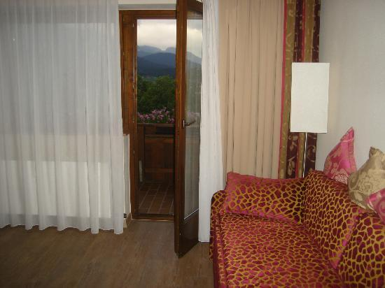Hotel Christoph: Viewing the porch