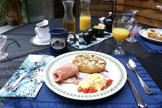 Blue Mountain Bed & Breakfast: A delicious breakfast