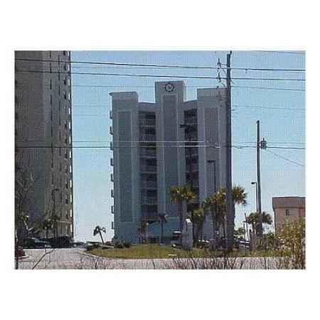 Four Winds Condominiums: Exterior