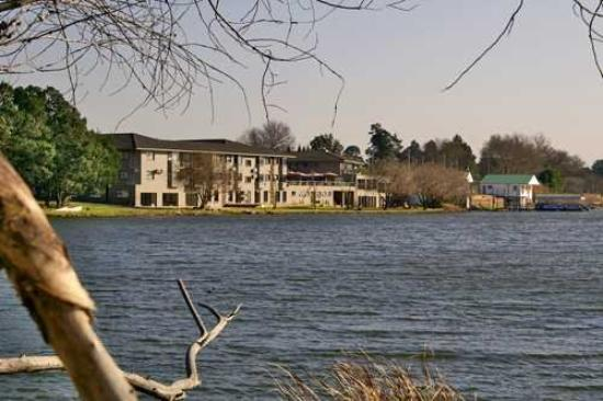 The Lakes Hotel and Conference Center: Lakes