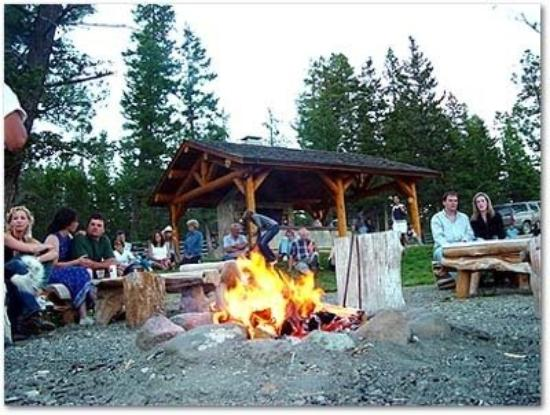 Echo Valley Ranch & Spa: Gourment BBQ and Campfire