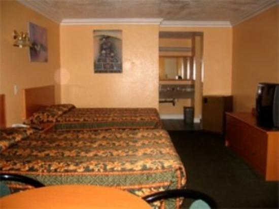 Dynasty Inn : GUEST ROOM