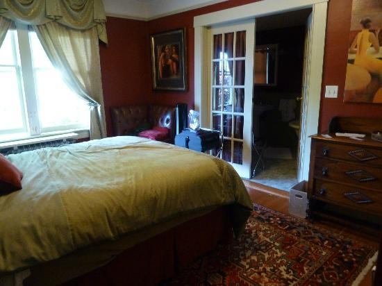 Abbeymoore Manor Bed and Breakfast Inn: Lilac Room