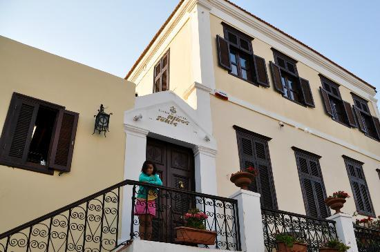 Nikos Takis Fashion Boutique Hotel: Front of hotel