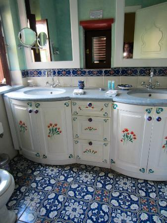Nikos Takis Fashion Boutique Hotel: bathroom