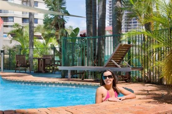 Promenade Apartments: Pool