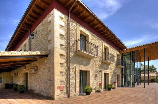 Hotel Villa Marcilla: Exterior View