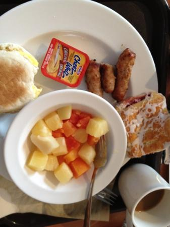 Best Western Pocaterra Inn: weak breakfast - Cheez whiz?!