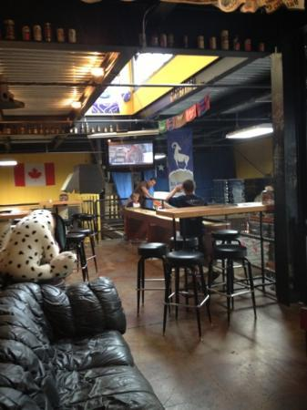 Great Northern Brewing Company: upstairs game room