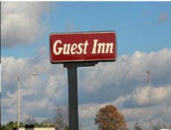 Guest Inn: Exterior