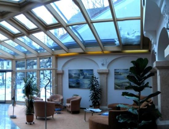 Hotel Atrium: Atrium Inside