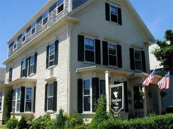 Christopher's by the Bay: 1840's Sea Captains Home