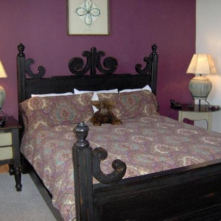 The Cove at Park Meadows: Master Bedroom