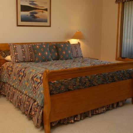 Park Condominiums : Bedroom B