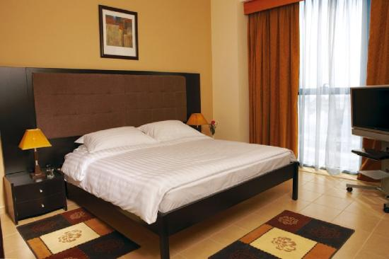 Pearl Continental Hotel Apartments: Bedroom