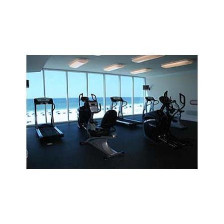 San Carlos Condominiums : Gym