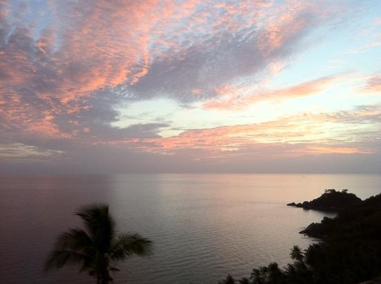 Pinnacle Koh Tao Resort: sundowners