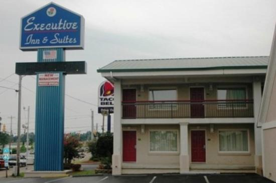 Photo of Executive Inn & Suites Jackson