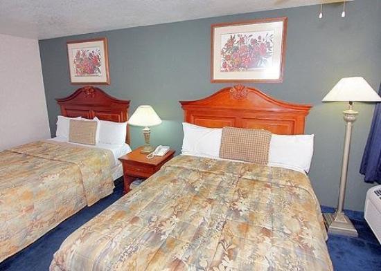 Rodeway Inn Cypress: Guest Room