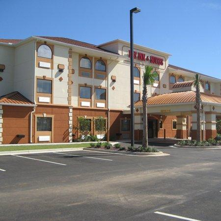 Bay Inn & Suites