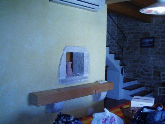 Rakalj, Croacia: Innentreppe aus dem Wohnbereich