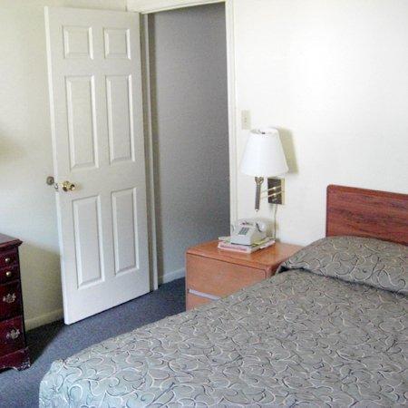 Country Inn Motel Mohnton: PACountry Inn Bed