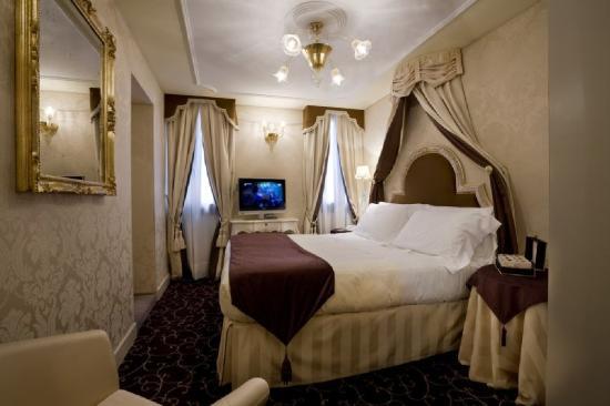 UNA Hotel Venezia: Classic room