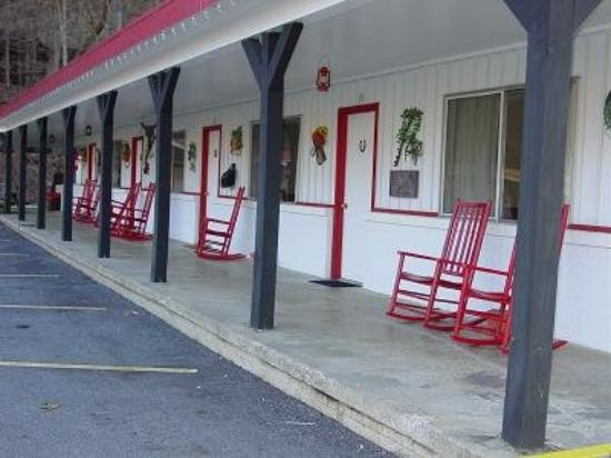 A Holiday Motel: Exterior View