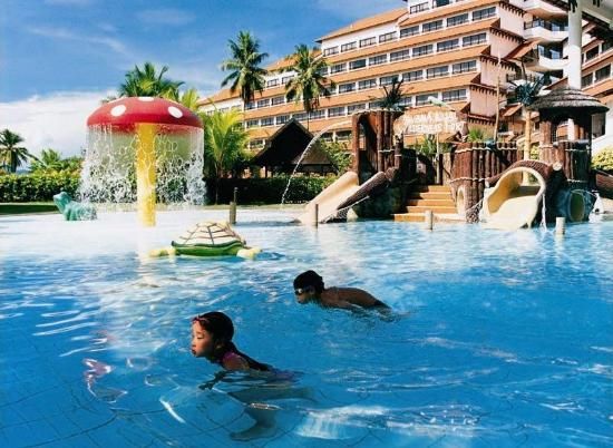 Resorts World Kijal: Swimming Pool