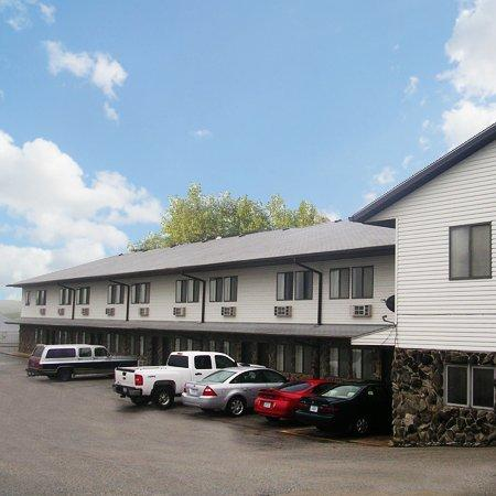 Photo of Harlan Inn & Suites