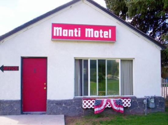 Manti Motel: Exterior View Main
