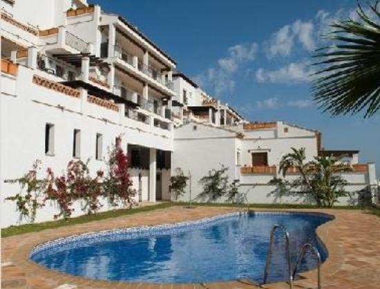 Apartamentos Turisticos La Santa Cruz
