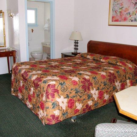 Budget Inn Greenfield CABed