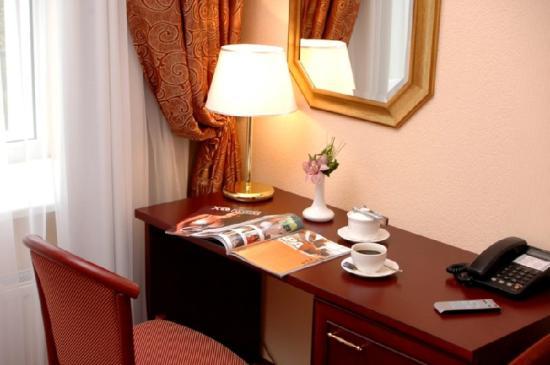 오로라 프리미어 호텔