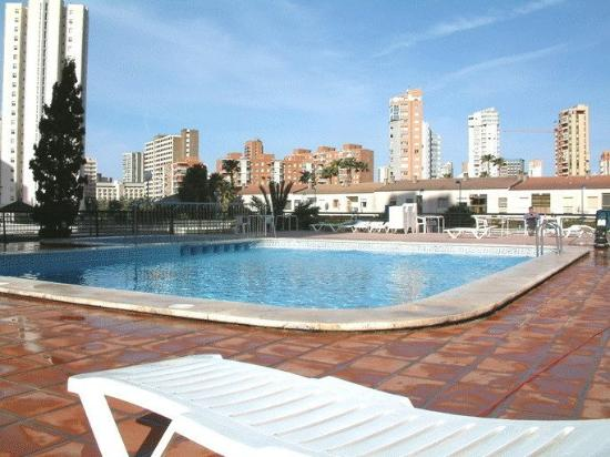 Apartamentos Luxmar: Swimming pool